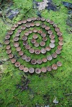 nature mandala for kids & nature mandala kids ` nature mandala for kids ` mandala nature art for kids Land Art, Ephemeral Art, In Natura, Nature Activities, Forest Art, Environmental Art, Nature Crafts, Outdoor Art, Art Plastique