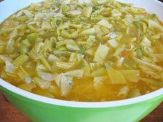 tocana-de-fasole-verde-pentru-iarna-4 Thai Red Curry, Cantaloupe, Ethnic Recipes, Food, Green, Canning, Eten, Meals, Diet