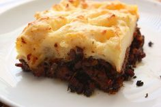 It is freeeeezing here in Canada. Which means that all that I can think about is comfort food, including this incredibly delicious Shepherd's Pie recipe from Gordon Ramsay. I don't eve…