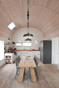 House cottage and extensions on the Isle of Tiree by Denizen Works dream kitchen love industrial design style wood metal Beautiful Kitchens, Cool Kitchens, Kitchen Interior, Kitchen Design, Cuisines Design, Country Kitchen, Open Kitchen, Micro Kitchen, Rustic Kitchen