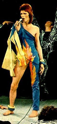 The Ziggy Stardust Companion - The 1980 Floor Show Image Gallery (1/2)