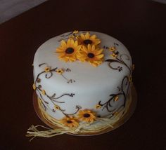 Small sunflowers - by luna @ CakesDecor.com - cake decorating website