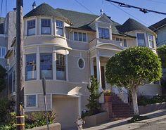 Mrs. Doubtfire    2640 Steiner in Pacific Heights   San Francisco