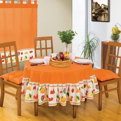 How to Decorate With Kitchen Curtains - Life ideas Dining Table Cloth, Kitchen Table Chairs, Kitchen Decor, Mantel Redondo, Chicken Kitchen, Curtain Designs, Sewing Rooms, Curtains With Blinds, Diy Home Crafts