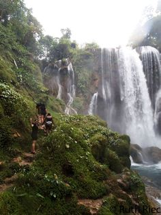 Heading towards the monster, Pulhapanzak Waterfall, Cortes, Honduras