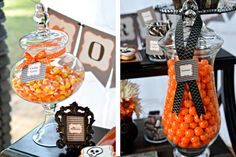 Love the eerie & cheery styling of these Halloween candy display ideas by Betsy . - Real Time - Diet, Exercise, Fitness, Finance You for Healthy articles ideas Halloween Goodies, Halloween Party Decor, Halloween Candy, Halloween Kids, Halloween Crafts, Candy Display, Display Ideas, Creative Party Ideas, Hallows Eve