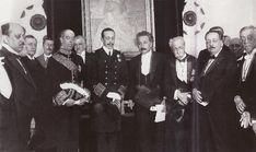 4 marzo 1923. Alfonso XIII preside en la Real Academia de Ciencias Exactas,Físicas y Naturales, la sesión en la que se entraga al profesor Albert Einstein el título de Académico