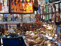African crafts market - Youngsters love to do hobby work, an amazing singer . But It looks like children, especially younger kids . Winter Art Projects, Winter Project, Crafts To Do, Arts And Crafts, South African Art, African Crafts, Winter Scenery, Out Of Africa, Craft Markets