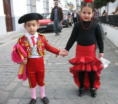 Diy flamenco dancer costume flamenco dancers flamenco and dancers i need to do this to my children some day and follow them around playing the toreador march happy halloween kids what opera shall we be next year solutioingenieria Choice Image