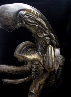 Dragonstooth Miniatures » Blog Archive » Fewture Alien Bust