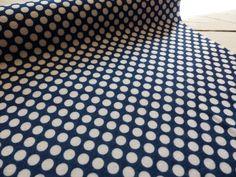 Filz & Filzplatten - 1m Design Filz 45cm breit blau weiße Punkte - ein Designerstück von Frau_Zwerg bei DaWanda