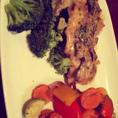 #chicken #mushrooms #brocoli  #pepper #healthy #postworkoutmeal #recipe #protein #COLORS #Fitness #instapic #igers #food #health #yummy #BodyBuilding #lifestyle #homemade #ketogenetic diet #muscle #muscleandhealth #portobello #lowcarb #lowcarbhighfat #دجاج by khaled_ouanes