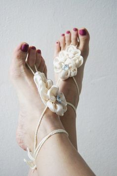ivory Bridal Bridesmaids flower Beach wedding barefoot sandals, Toe thong Bottomless shoes, Foot jewelry, Wedding Shoes,