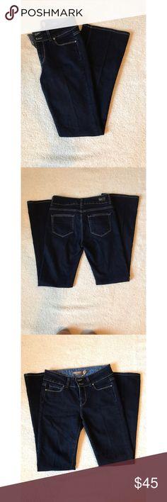 ❤️Paige Jeans❤️ Excellent condition. Size 29. Hidden Hills Flare. Material: 73% cotton, 23% elastic. Inseam: 30 inches, rise: 9 1/2 inches. Paige Jeans Jeans Flare & Wide Leg