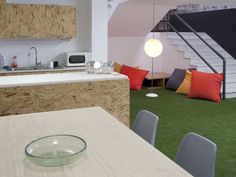 Coworking Magma Espacio / equipoeme estudio #Magma #Espacio #coworking #equipoeme #interiorismo #oficina #diseño #Ourense #office Co Working, Conference Room, Dining Table, Furniture, Home Decor, Interior Design Studio, Cozy, Offices, Projects