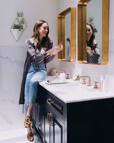 More home makeover pics revealed! See my tips on how to choose stone for your bathroom here: http://frontroe.co/2tV2Qta