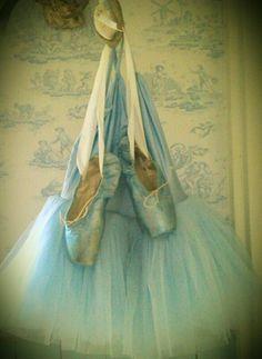 Ballet in blue pointe shoes and tutu Ballet Art, Ballet Dancers, Bolshoi Ballet, Ballet Costumes, Dance Costumes, Carnival Costumes, Pointe Shoes, Ballet Shoes, Toe Shoes