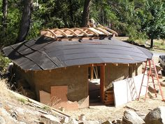 The Roof of the Cob Workshop Cob Building, Building A House, Natural Building, Woodland Garden, Earthship, House Roof, Gazebo, Shed, Workshop