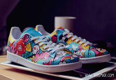 Doodle Shoes, Custom Clothing, Shoe Art, Stan Smith, Cute Cartoon, Designer Shoes, Graffiti, Custom Design, Birthdays