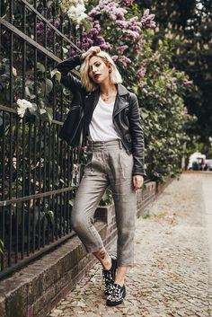 how to wear: office style | stylish business wear | Coliac shoes | Rene Lezard trousers | silver bag from Aly Shea | fashion blog