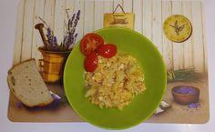 Hozzávalók: Szalonna Hagyma Főtt karfiol 5db tojás 1dl főzőtejszín 1 púpos evőkanál paradicsompüré Só Bors Delikát