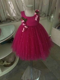 Little girl party dress Baby Girl Party Dresses, Dresses Kids Girl, Kids Outfits, Frock Patterns, Kids Dress Patterns, Kids Frocks Design, Baby Frocks Designs, Kids Dress Wear, Kids Gown