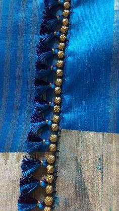 Saree Kuchu New Designs, Saree Tassels Designs, Cotton Saree Designs, Kids Blouse Designs, Hand Work Blouse Design, Blouse Neck Designs, How To Make Tassels, Making Tassels, Kutch Work Designs