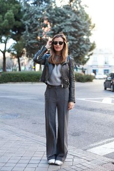 lady addict blogger sunglasses grey leather jacket wide-leg pants