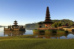 Ulun Danu temple on lake Bratan, Bali