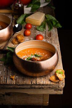 by Raquel Carmona Romero - Photo 126583251 / Soup Recipes, Healthy Recipes, Food Presentation, Soup And Salad, Food Styling, Food Inspiration, Love Food, Food Photography, Food Porn