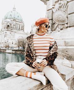 Stripes and cheetah, European fashion Source by bitbybrit Winter fashion Look Fashion, Fashion Outfits, Womens Fashion, Fashion Trends, Woman Outfits, Fashion Bloggers, Fall Fashion, Fashion Websites, Fashion Ideas