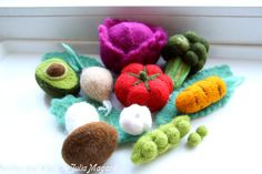 Needle felted vegetables. Play food. Kitchen decor. by NeedlesWool