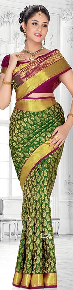 SOUTH India Fashions.✿*❋. Saree Draping Styles, Saree Styles, Indian Dresses, Indian Outfits, Stylish Outfits, Fashion Outfits, South Indian Sarees, Stylish Sarees, Indian Attire
