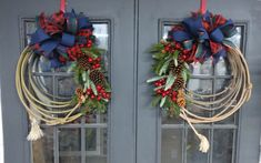 Lariot rope with berries, pinecones and Christmas greenery the perfect decor to greet you family and loved ones for the holidays. Or give as a gift to a horse lover or rodeo lover. Snowman Tree Topper, Christmas Tree Toppers, What Is Christmas, Christmas Door, Western Wreaths, Holiday Wreaths, Holiday Decor, Christmas Greenery, Wreath Hanger