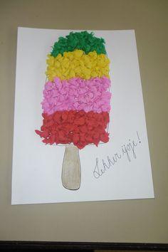 Knutselactiviteit : gebruik. - wit blanco papier - krippapier - ijstokje uitvoering: lijm een groot deel op je blad , en maak van de stukjes krippapier allemaal bolletjes en plak die daarop. Als je de vorm van een ijsje hebt gemaakt. Plak je er het ijsstokje onder... En kan je eventueel het ijsje ook uitknippen .Zo heb je je eigen zomerijsje gemaakt !