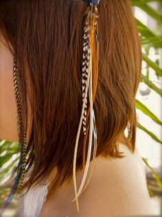 Hair clip.. Still love this look. Etsy listing at http://www.etsy.com/listing/72119661/sale-clip-in-feather-hair-extension