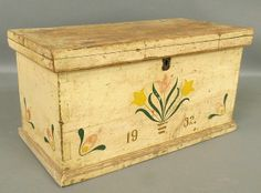 How sweet is this chest? Pine storage box 19th c., tulip paint decoration Lot 380 Wiederseim Auction 4/19