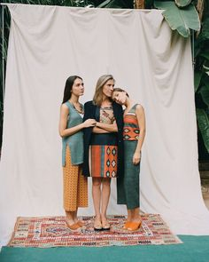 Thirty-six women of all ages star in our new catalogue. Thanks to their collaboration and solidarity we can keep contributing to our social project in the investigation in child cancer. Today we are sharing the first part with you: The Kilim. www.nicethingspalomas.com