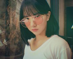 Find images and videos about gfriend, eunha and yuju on We Heart It - the app to get lost in what you love. Kpop Girl Groups, Korean Girl Groups, Kpop Girls, Red Aesthetic, Aesthetic Photo, Jung Eun Bi, G Friend, Entertainment, Girl Day