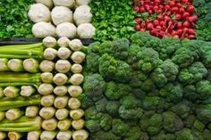 The Importance of Vitamin in a Vegetarian Diet. It's something we become aware of all the time: individuals, in general, do not eat healthy. The average diet plan includes too much hydrogenated fat and b Foods High In B12, Foods High In Iron, Iron Rich Foods, High Iron, Real Food Recipes, Vegetarian Recipes, Healthy Recipes, Healthy Foods, Food Tips
