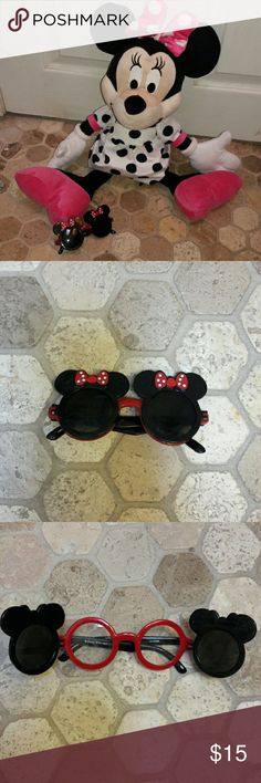 MINNIE MOUSE SUNGLASSES NWOT Super Cute and trendy Minnie mouse Sunglasses with option to open into regular glasses...no prescription needed..no prescription in them. PERFECT FOR YOUR LITTLE DISNEY LOVER! More for children under 7 Disney Accessories Sunglasses