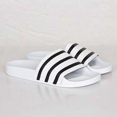 adidas Adilette branco com preto Adidas Sandals, Shoes Sandals, Shoes Sneakers, Fashion Slippers, Fashion Shoes, Adidas Adilette, Adidas Slides, Streetwear Online, Fresh Shoes