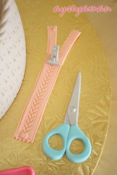 sewing basket cake details2 by ayse's cakes in new jersey, new york, via Flickr