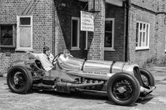 Napier-Railton: 24-litre race car meets Leica M at Brooklands