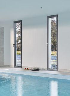 fen tre aluminium primo frappe swao ouvrant discret soulign par une masse centrale r duite. Black Bedroom Furniture Sets. Home Design Ideas