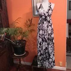 Nice Maxi Dress Mon Amie Maxi Dress Mon Amie,92%polyester,8%spandex,white&black,floral. Mon Amie Dresses Maxi