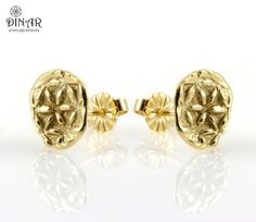 Hey, I found this really awesome Etsy listing at https://www.etsy.com/il-en/listing/177338309/14k-solid-gold-stud-earrings-flower-fo