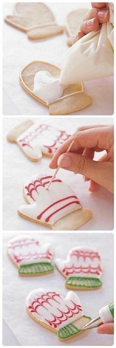 Cookie-Decorating Tips – The Best Christmas Cookies Christmas Sugar Cookies, Christmas Sweets, Christmas Cooking, Holiday Cookies, Holiday Treats, Homemade Christmas, Simple Christmas, Christmas Decorations, Cupcakes