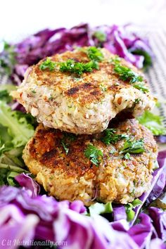 I'm SO obsessed with these Greek Bean Burgers!!! They're SO yummy, vegan, gluten free, filling, and healthy! So much flavor in every bite! | C it Nutritionally