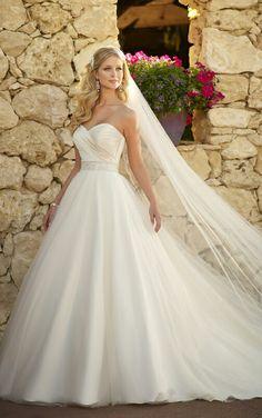Cinderella wedding dress ❤ I love it!